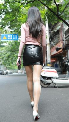 (套图)黑色皮裙美女(1160P)[14.03G/JPG]
