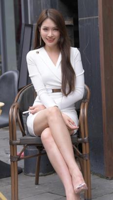 白裙韵味美女(360P)[6.28G/JPG]